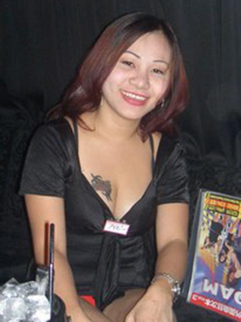 filipina_2004_124