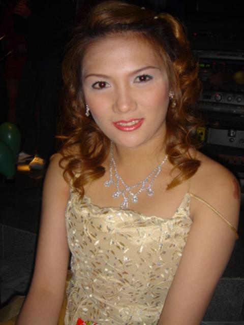 filipina_2004_209