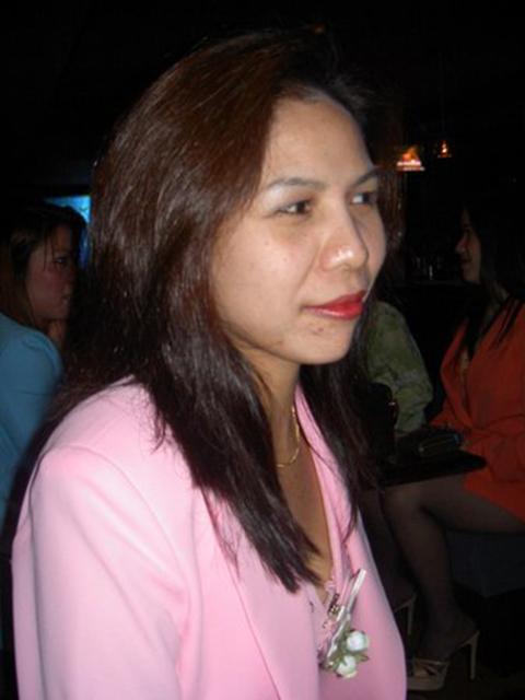 filipina_2004_230